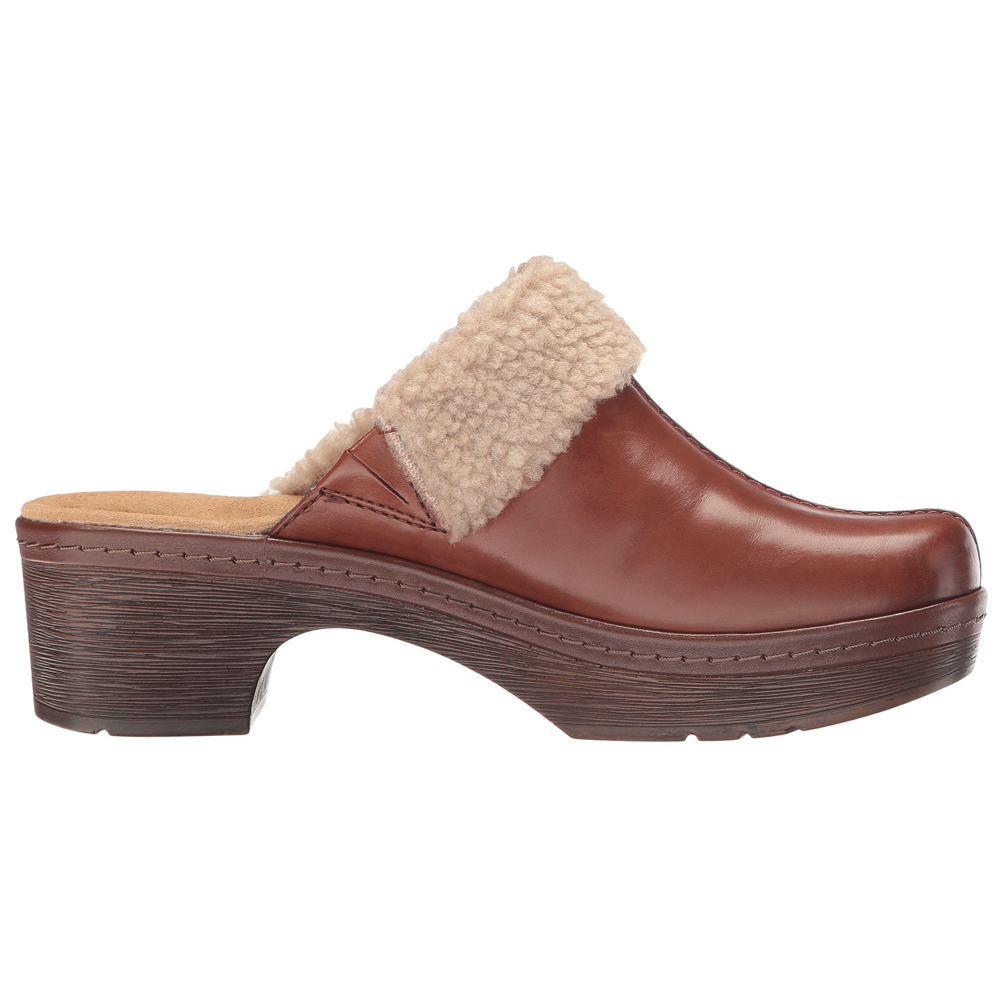 Clarks Women's Plaza Pug Boots - Brown | Discount Clarks Ladies Boots &  More - Shoolu.com