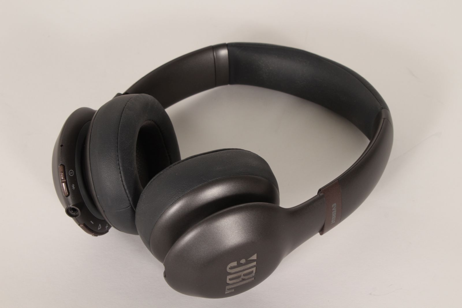 8cbb04298dd Detalles acerca de JBL Everest 310 Wireless On-Ear Headphones Gun Metal
