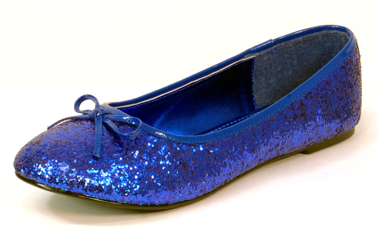 These flats are covered in blue/silver glitter, lined with shearling, and have a sturdy rubber sole. Good condition with light wear inside shoe and slight creasing on up J Crew Darby Blue Glitter Loafers Ballet Flats Size 8 M Italy Career.
