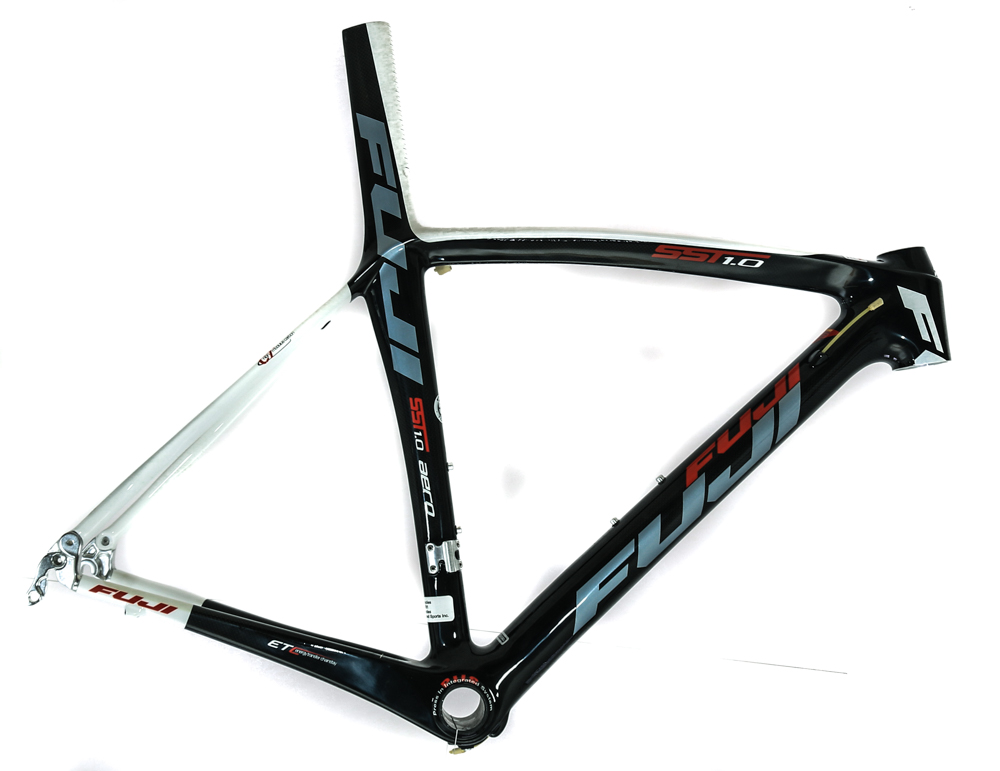 Fuji SST 1.0 60cm 700c Carbon Fiber Aero Road Bike Frame Tap