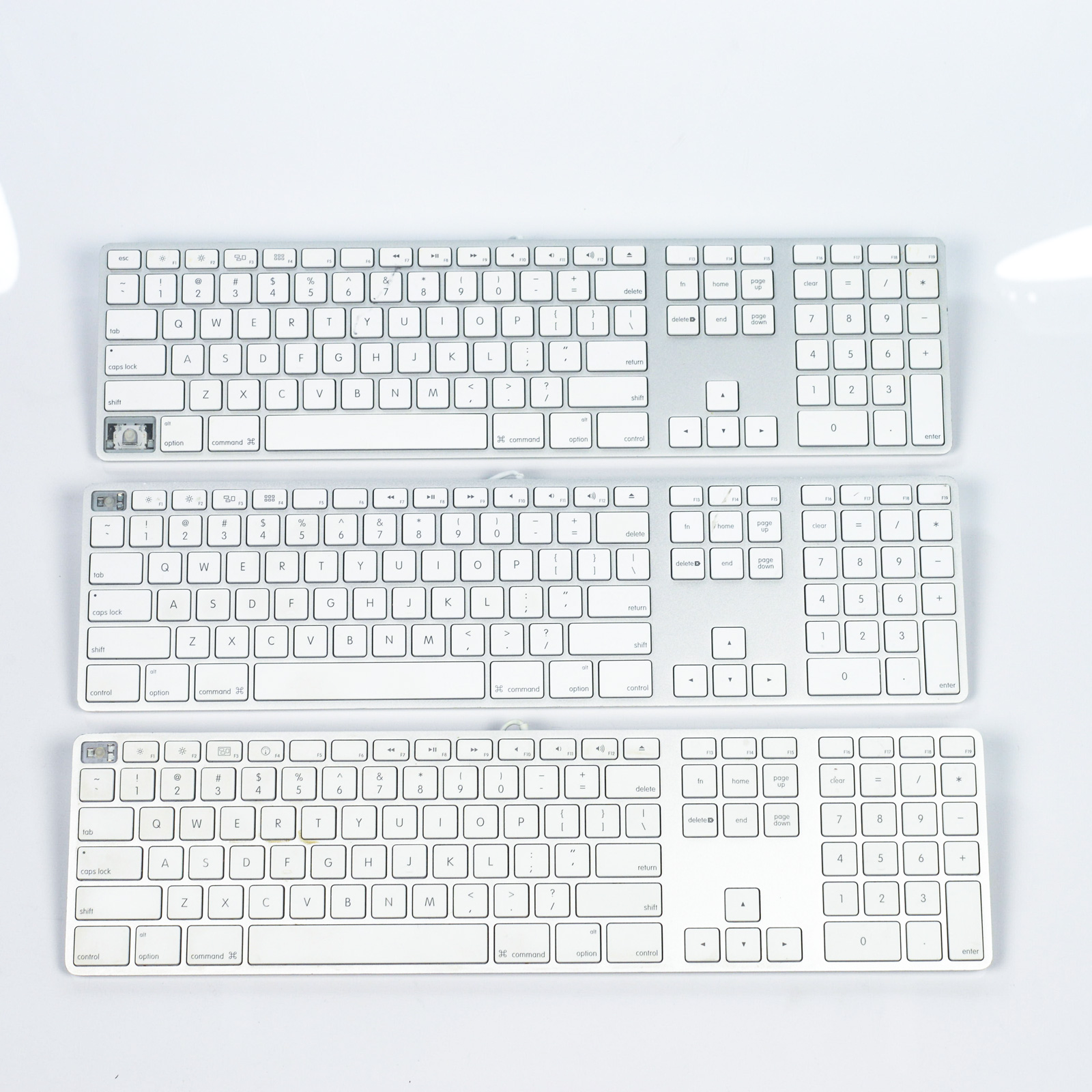 lot of 3 genuine apple aluminum wired keyboard a1243 for parts not working 609015001707 ebay. Black Bedroom Furniture Sets. Home Design Ideas