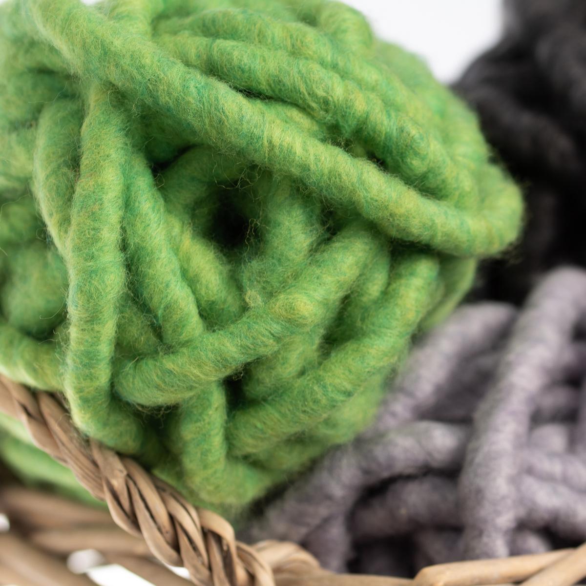 3pk-Lion-Brand-Wow-Acrylic-amp-Wool-yarn-Jumbo-7-Knitting-Crocheting-Skeins-Soft thumbnail 12