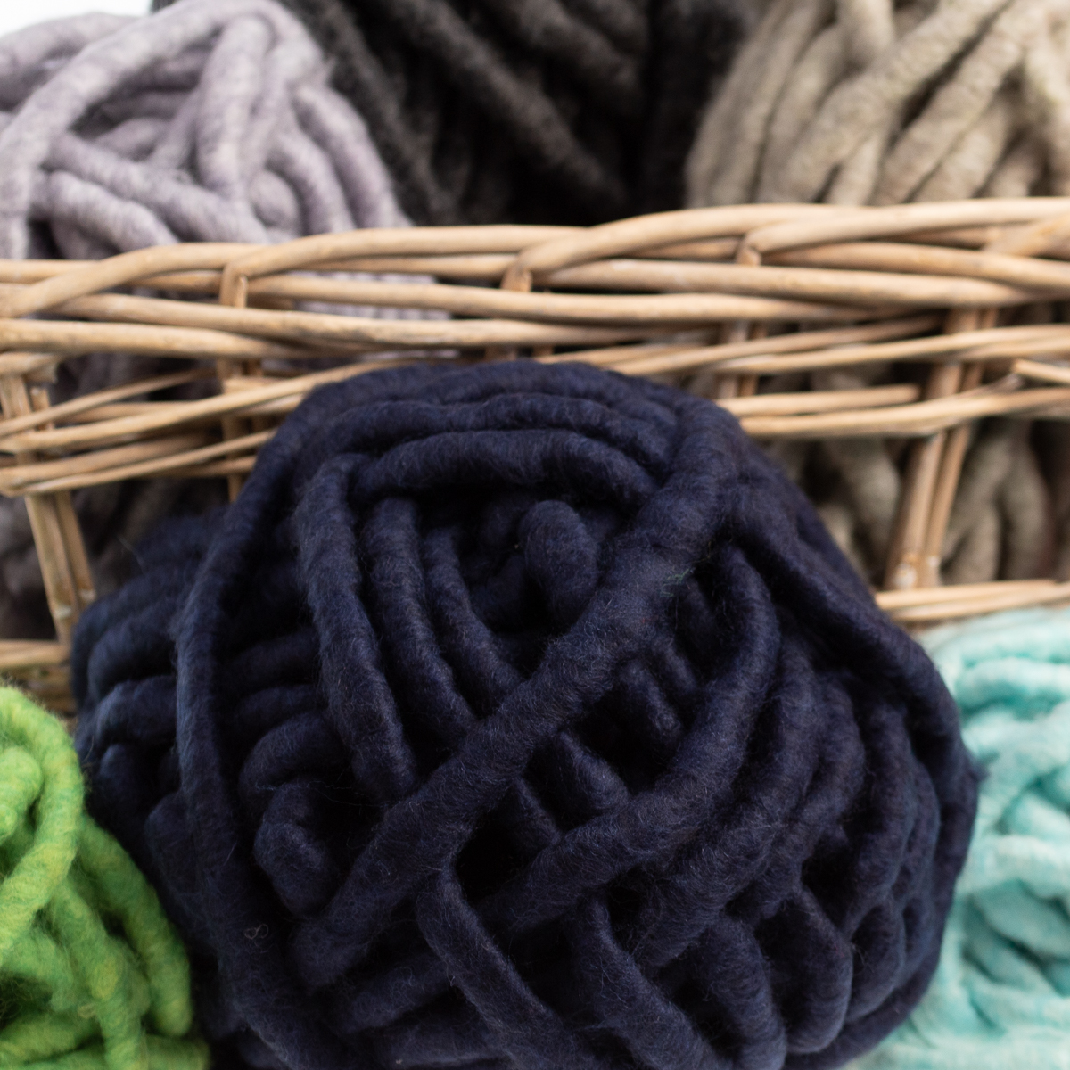 3pk-Lion-Brand-Wow-Acrylic-amp-Wool-yarn-Jumbo-7-Knitting-Crocheting-Skeins-Soft thumbnail 28