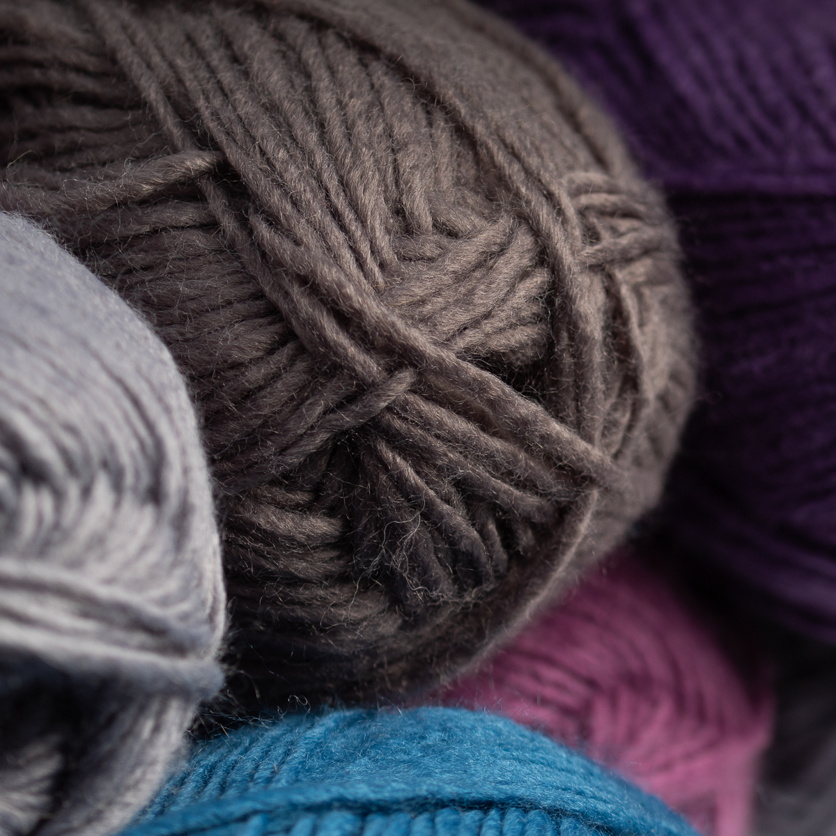 3pk-Lion-Brand-New-Basic-Acrylic-amp-Wool-Yarn-Medium-4-Knit-Crochet-Skeins-Soft thumbnail 30