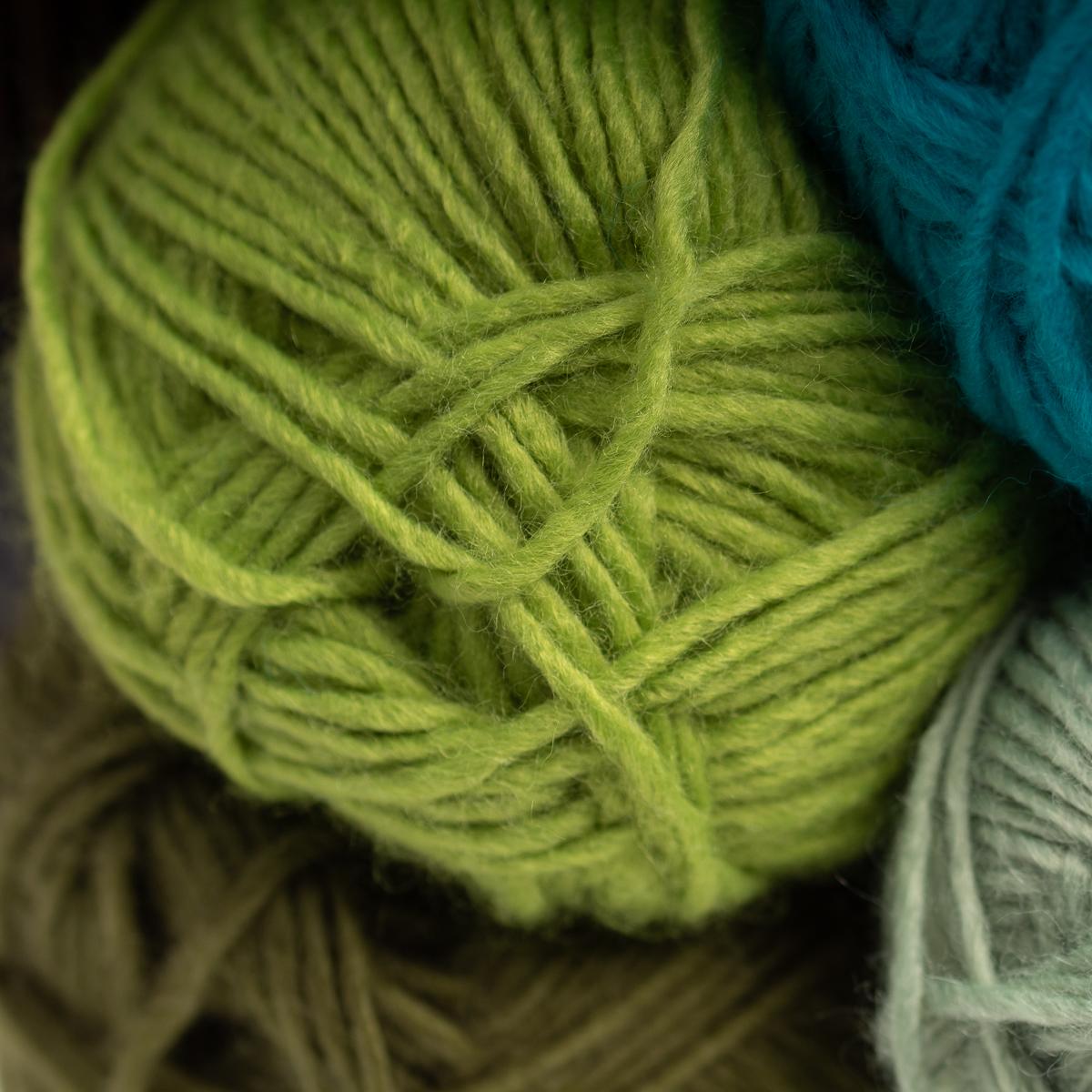 3pk-Lion-Brand-New-Basic-Acrylic-amp-Wool-Yarn-Medium-4-Knit-Crochet-Skeins-Soft thumbnail 46