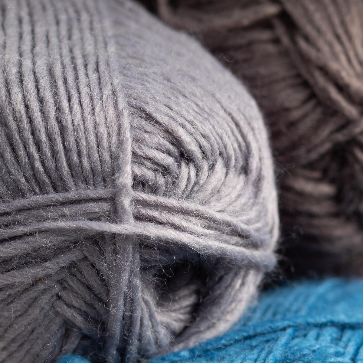 3pk-Lion-Brand-New-Basic-Acrylic-amp-Wool-Yarn-Medium-4-Knit-Crochet-Skeins-Soft thumbnail 50