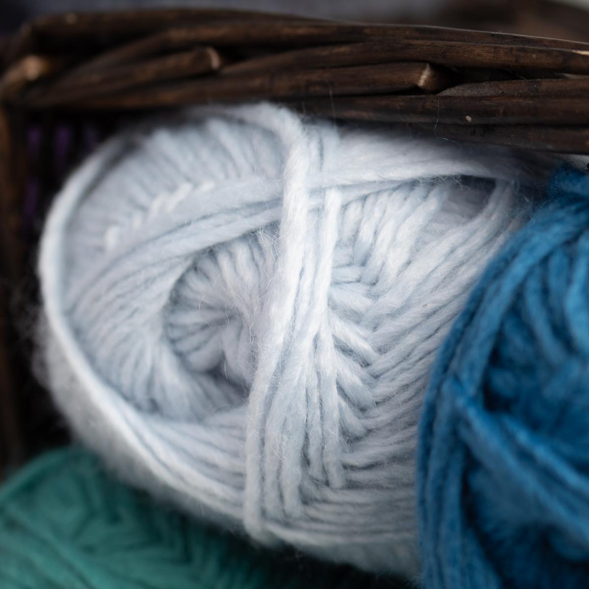 3pk-Lion-Brand-New-Basic-Acrylic-amp-Wool-Yarn-Medium-4-Knit-Crochet-Skeins-Soft thumbnail 54