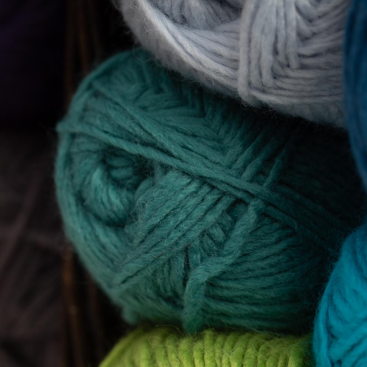 3pk-Lion-Brand-New-Basic-Acrylic-amp-Wool-Yarn-Medium-4-Knit-Crochet-Skeins-Soft thumbnail 58
