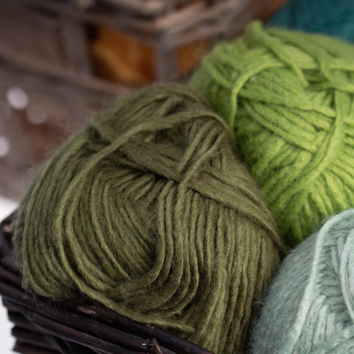 3pk-Lion-Brand-New-Basic-Acrylic-amp-Wool-Yarn-Medium-4-Knit-Crochet-Skeins-Soft thumbnail 66