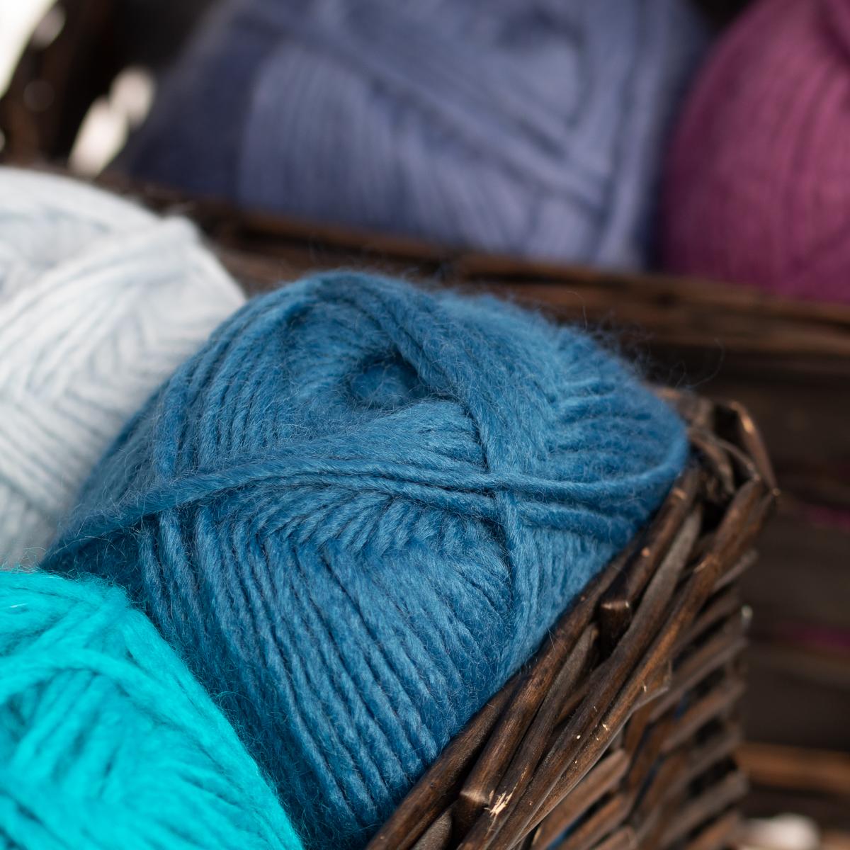 3pk-Lion-Brand-New-Basic-Acrylic-amp-Wool-Yarn-Medium-4-Knit-Crochet-Skeins-Soft thumbnail 70