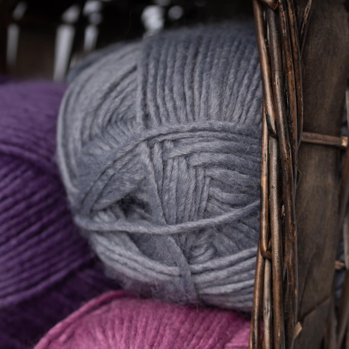 3pk-Lion-Brand-New-Basic-Acrylic-amp-Wool-Yarn-Medium-4-Knit-Crochet-Skeins-Soft thumbnail 82