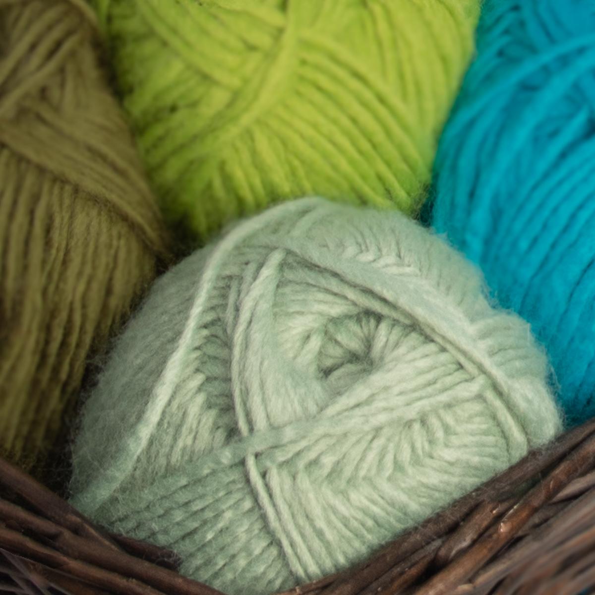3pk-Lion-Brand-New-Basic-Acrylic-amp-Wool-Yarn-Medium-4-Knit-Crochet-Skeins-Soft thumbnail 86