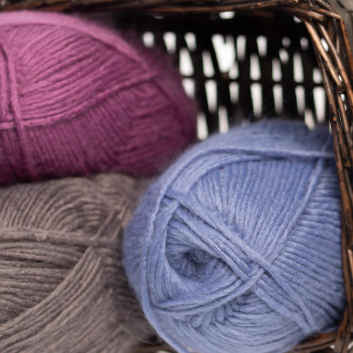 3pk-Lion-Brand-New-Basic-Acrylic-amp-Wool-Yarn-Medium-4-Knit-Crochet-Skeins-Soft thumbnail 98
