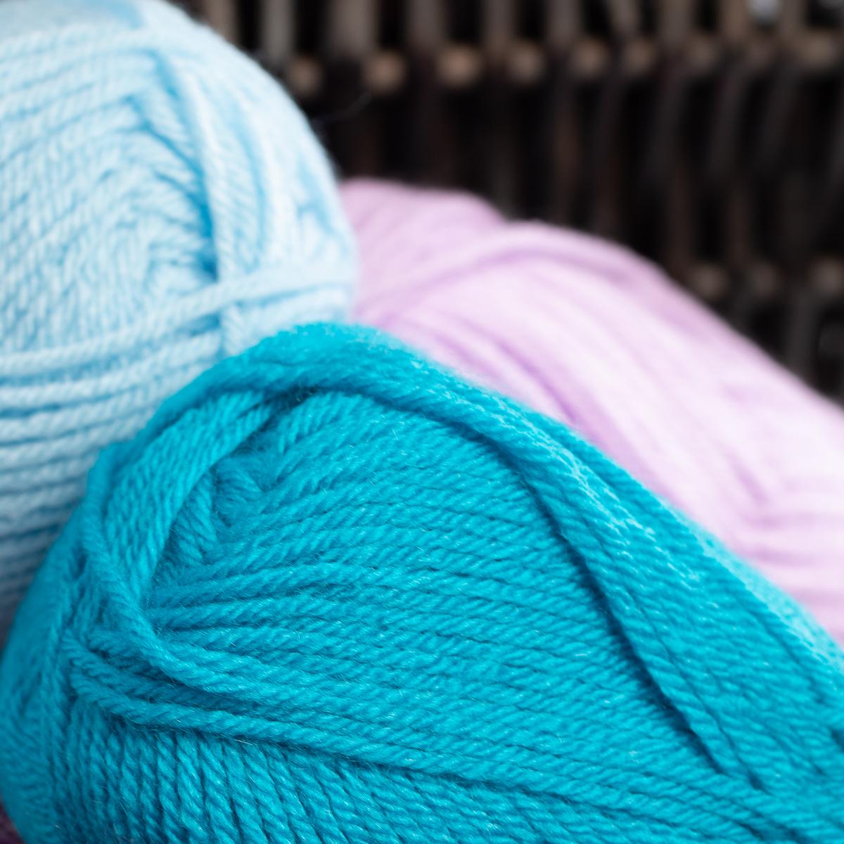 3pk-Lion-Brand-Vanna-s-Choice-100-Acrylic-Yarn-Medium-4-Knitting-Skeins-Soft thumbnail 14