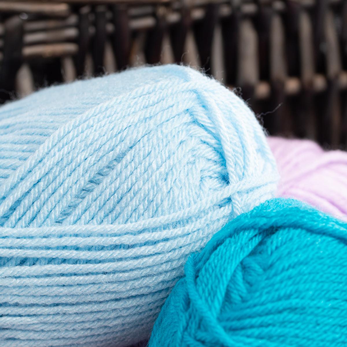 3pk-Lion-Brand-Vanna-s-Choice-100-Acrylic-Yarn-Medium-4-Knitting-Skeins-Soft thumbnail 26