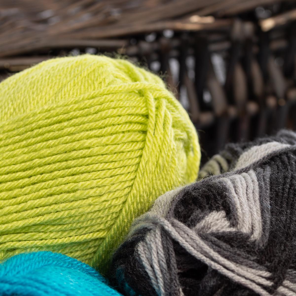 3pk-Lion-Brand-Vanna-s-Choice-100-Acrylic-Yarn-Medium-4-Knitting-Skeins-Soft thumbnail 44