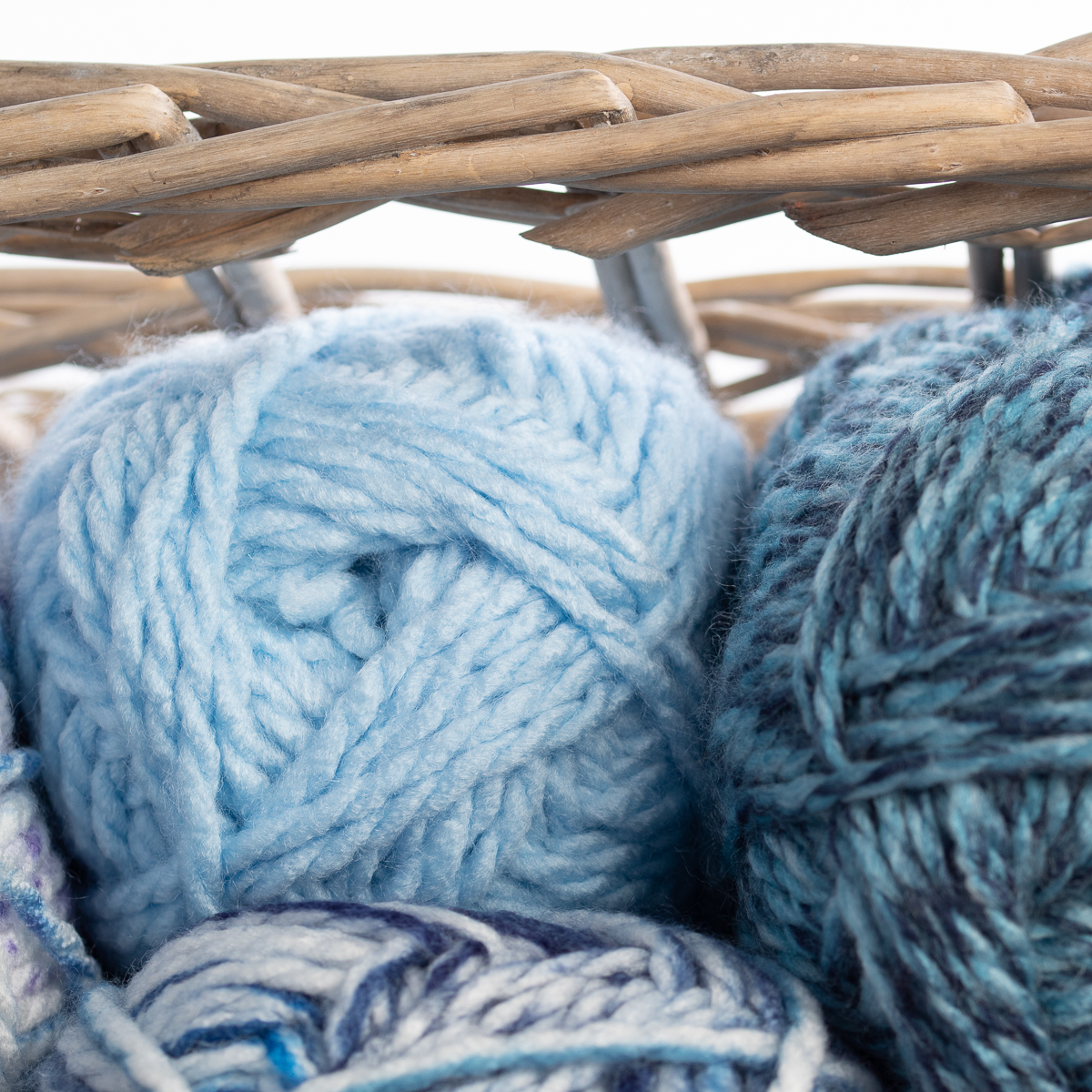 3pk-Premier-Yarns-Deborah-Norville-Serenity-100-Acrylic-Yarn-Chunky-5-Knitting thumbnail 14