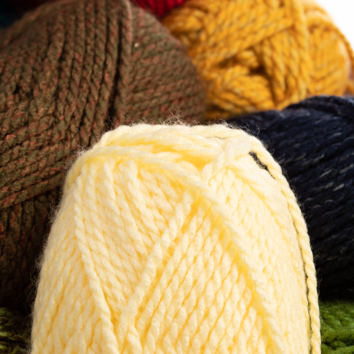 3pk-Premier-Yarns-Deborah-Norville-Serenity-100-Acrylic-Yarn-Chunky-5-Knitting thumbnail 19