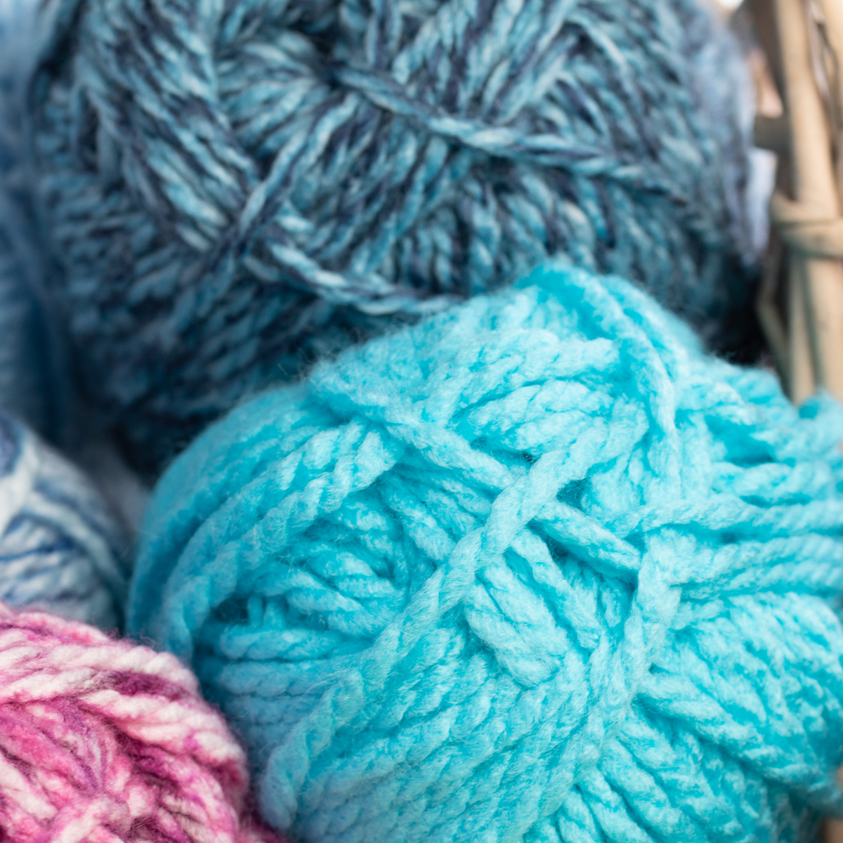 3pk-Premier-Yarns-Deborah-Norville-Serenity-100-Acrylic-Yarn-Chunky-5-Knitting thumbnail 24