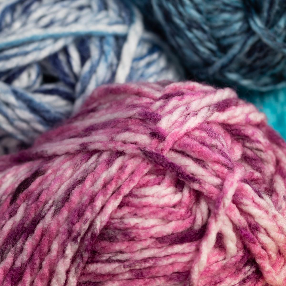 3pk-Premier-Yarns-Deborah-Norville-Serenity-100-Acrylic-Yarn-Chunky-5-Knitting thumbnail 54
