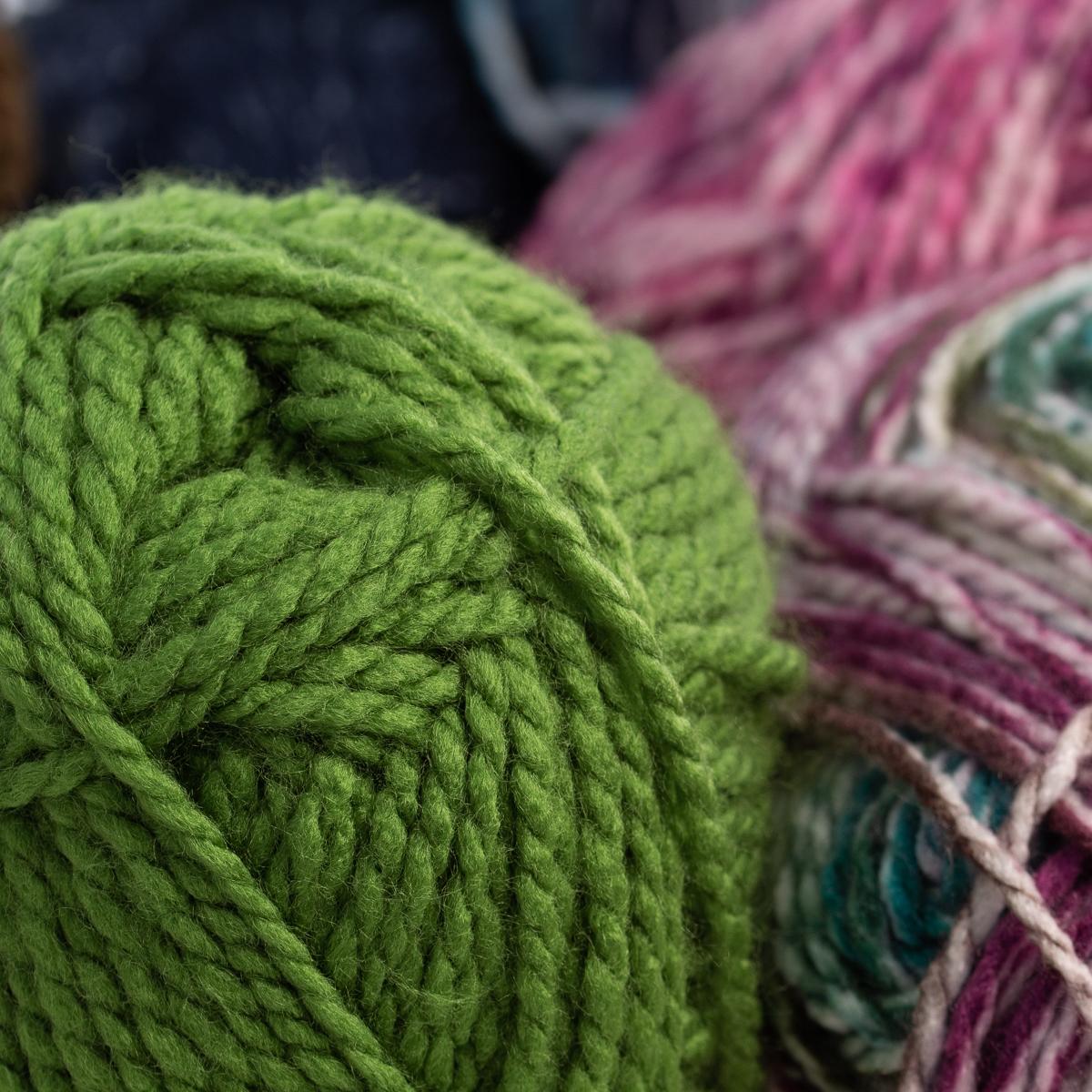 3pk-Premier-Yarns-Deborah-Norville-Serenity-100-Acrylic-Yarn-Chunky-5-Knitting thumbnail 59