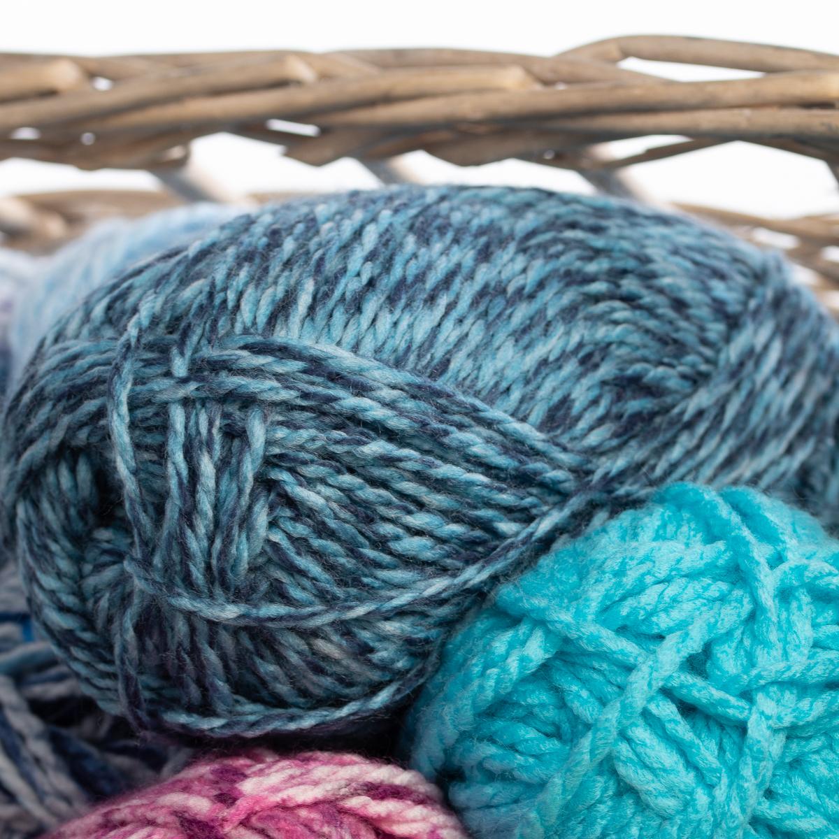 3pk-Premier-Yarns-Deborah-Norville-Serenity-100-Acrylic-Yarn-Chunky-5-Knitting thumbnail 89