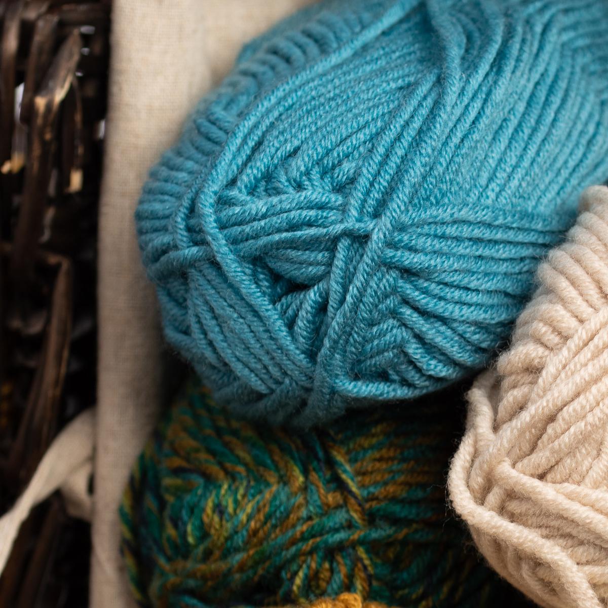 3pk-Lion-Brand-Woolspun-Acrylic-amp-Wool-Yarn-Bulky-5-Knit-Crocheting-Skeins-Soft thumbnail 14