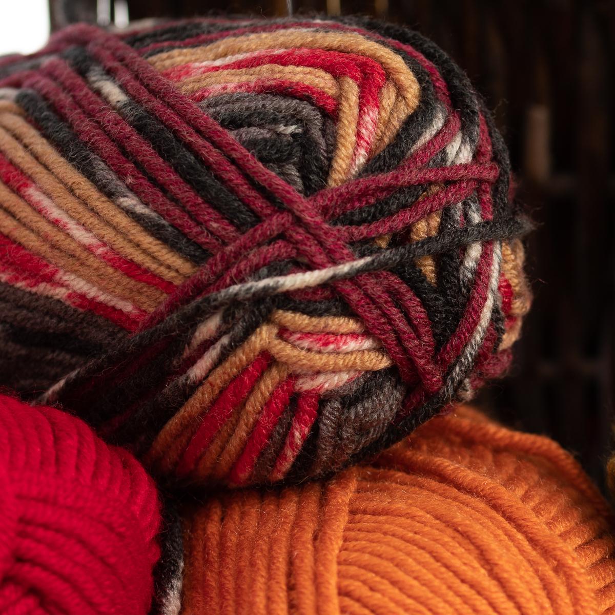 3pk-Lion-Brand-Woolspun-Acrylic-amp-Wool-Yarn-Bulky-5-Knit-Crocheting-Skeins-Soft thumbnail 22