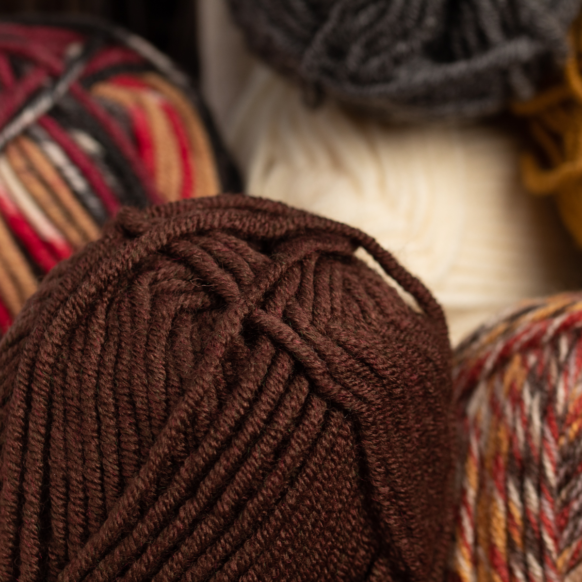 3pk-Lion-Brand-Woolspun-Acrylic-amp-Wool-Yarn-Bulky-5-Knit-Crocheting-Skeins-Soft thumbnail 26