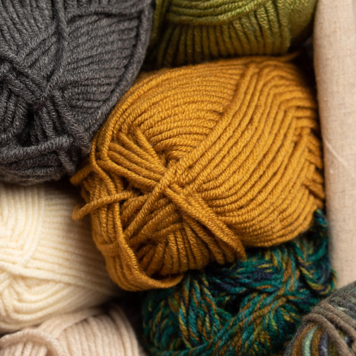 3pk-Lion-Brand-Woolspun-Acrylic-amp-Wool-Yarn-Bulky-5-Knit-Crocheting-Skeins-Soft thumbnail 42