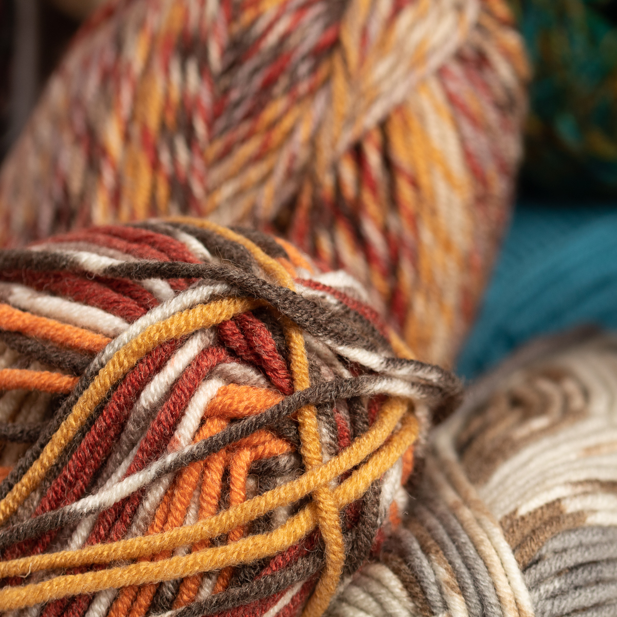 3pk-Lion-Brand-Woolspun-Acrylic-amp-Wool-Yarn-Bulky-5-Knit-Crocheting-Skeins-Soft thumbnail 38