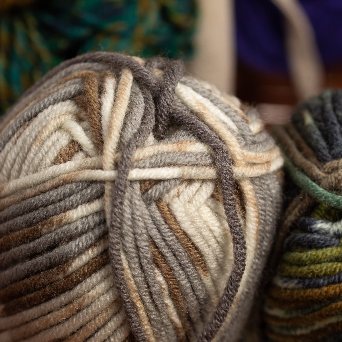 3pk-Lion-Brand-Woolspun-Acrylic-amp-Wool-Yarn-Bulky-5-Knit-Crocheting-Skeins-Soft thumbnail 58