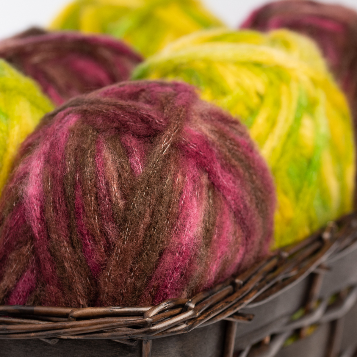 3pk-Bernat-Viva-Acrylic-Blend-Yarn-Super-Bulky-6-Knitting-Crochet-Skeins-Soft thumbnail 8