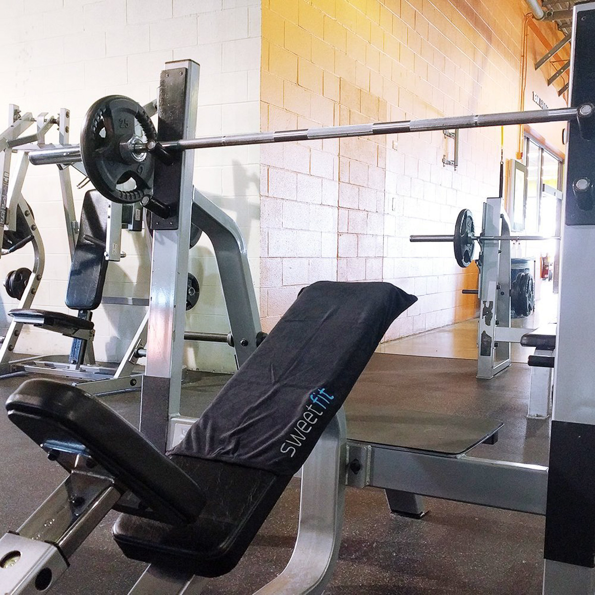 thumbnail 14 - Antibacterial-Gym-Towel-Fits-Securely-Over-Workout-Bench-Phone-Keys-Zip-Pocket