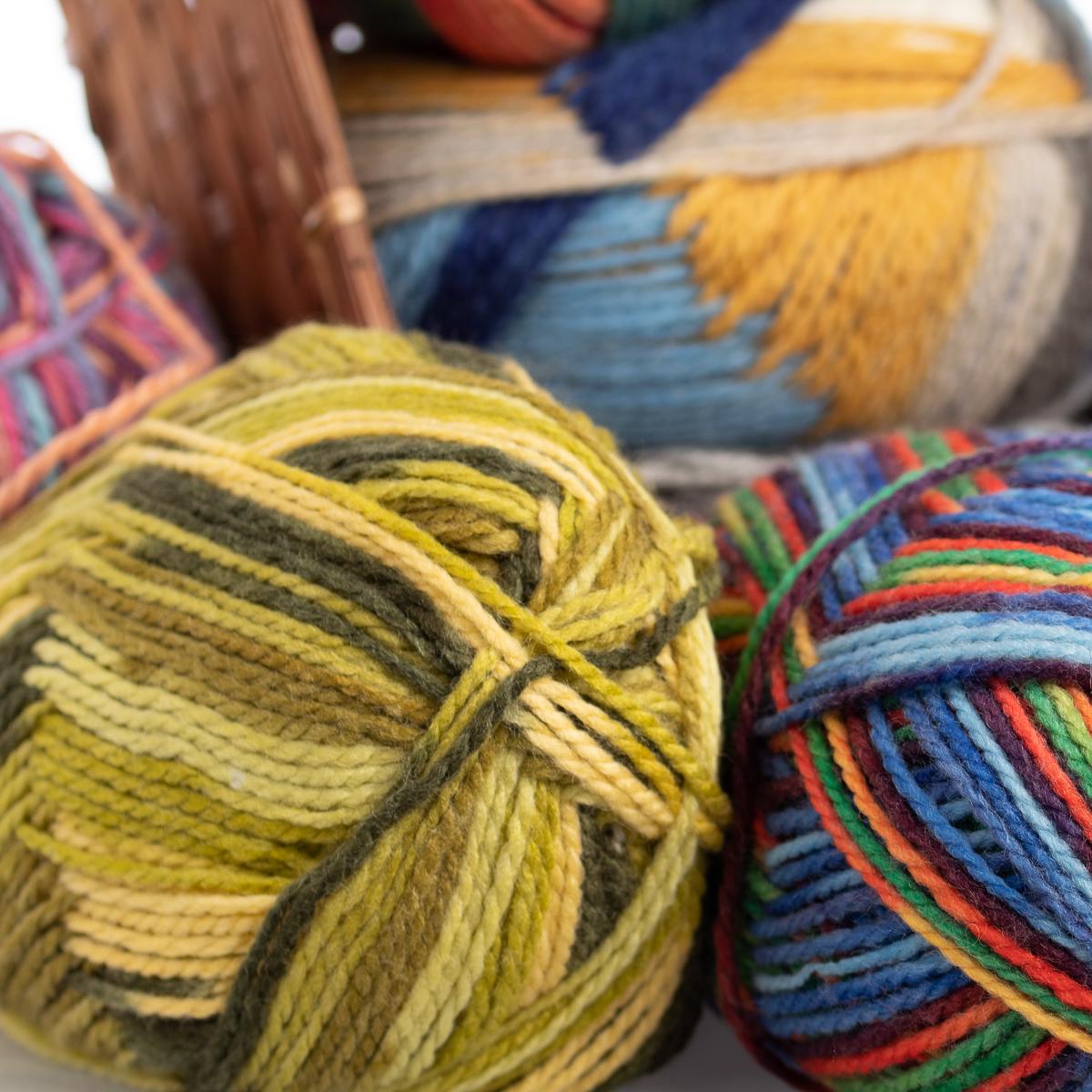 3pk-Lion-Brand-Color-Waves-Acrylic-amp-Wool-Yarn-Light-3-Soft-Knitting-Crocheting thumbnail 18