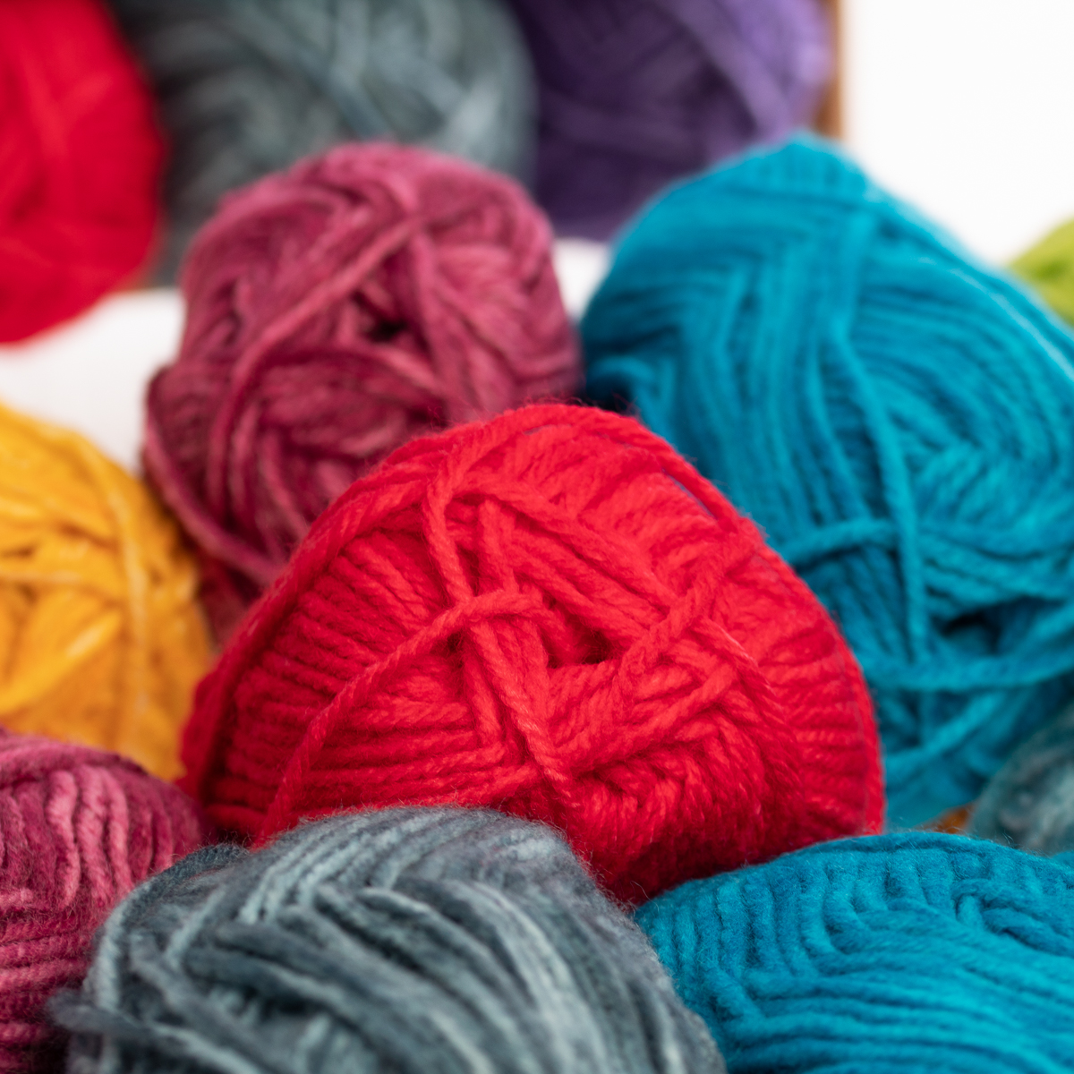 3pk-Lion-Brand-Yarn-Acrylic-amp-Wool-Chunky-Yarn-Bulky-5-Soft-Knitting-Crocheting thumbnail 19