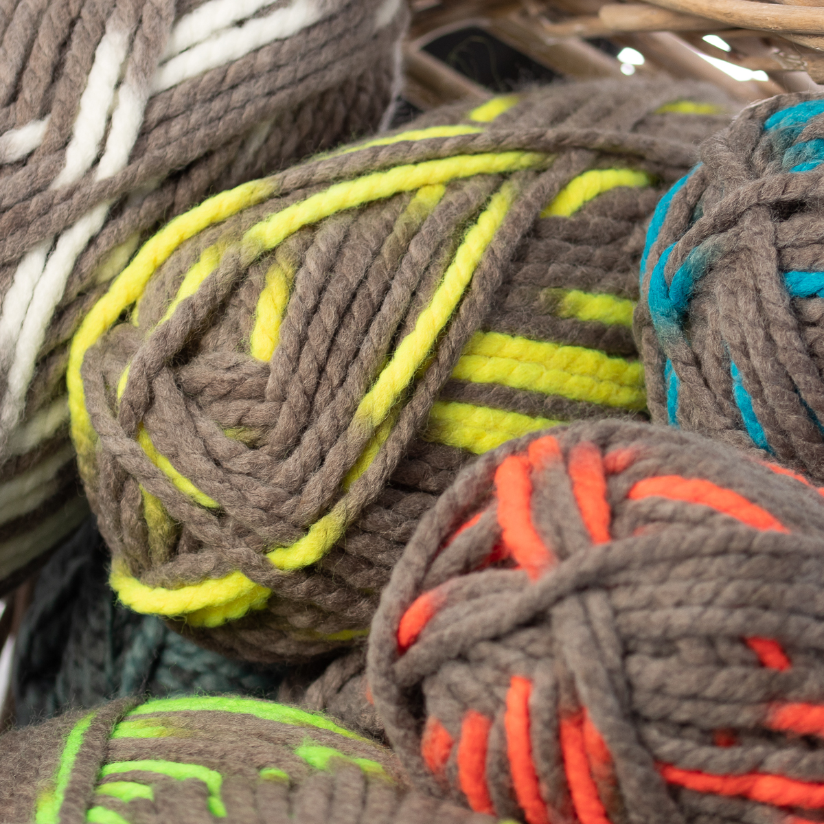 3pk-Lion-Brand-Wool-Ease-Thick-amp-Quick-Yarn-Super-Chunky-Knitting-Soft-Bulky-6 thumbnail 42