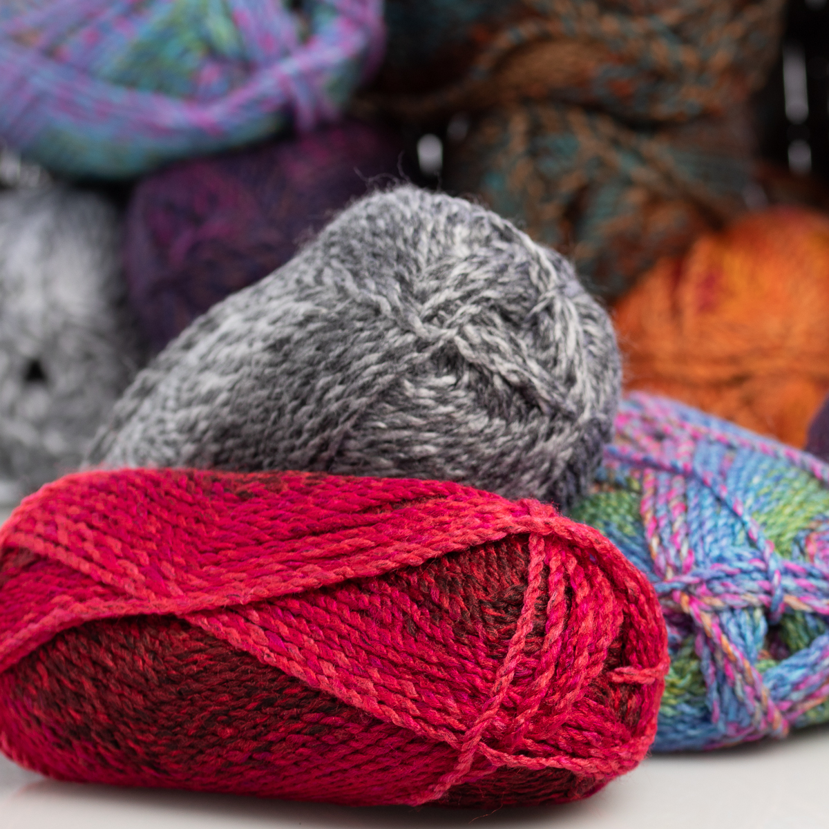 3pk-Lion-Brand-Yarn-100-Acrylic-Chunky-Yarn-Bulky-5-Soft-Knitting-Crocheting thumbnail 15