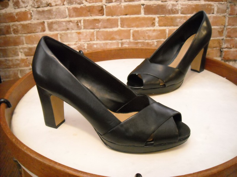 Clarks Artisan Black Leather Jenness Cloud Peep-toe Pumps New