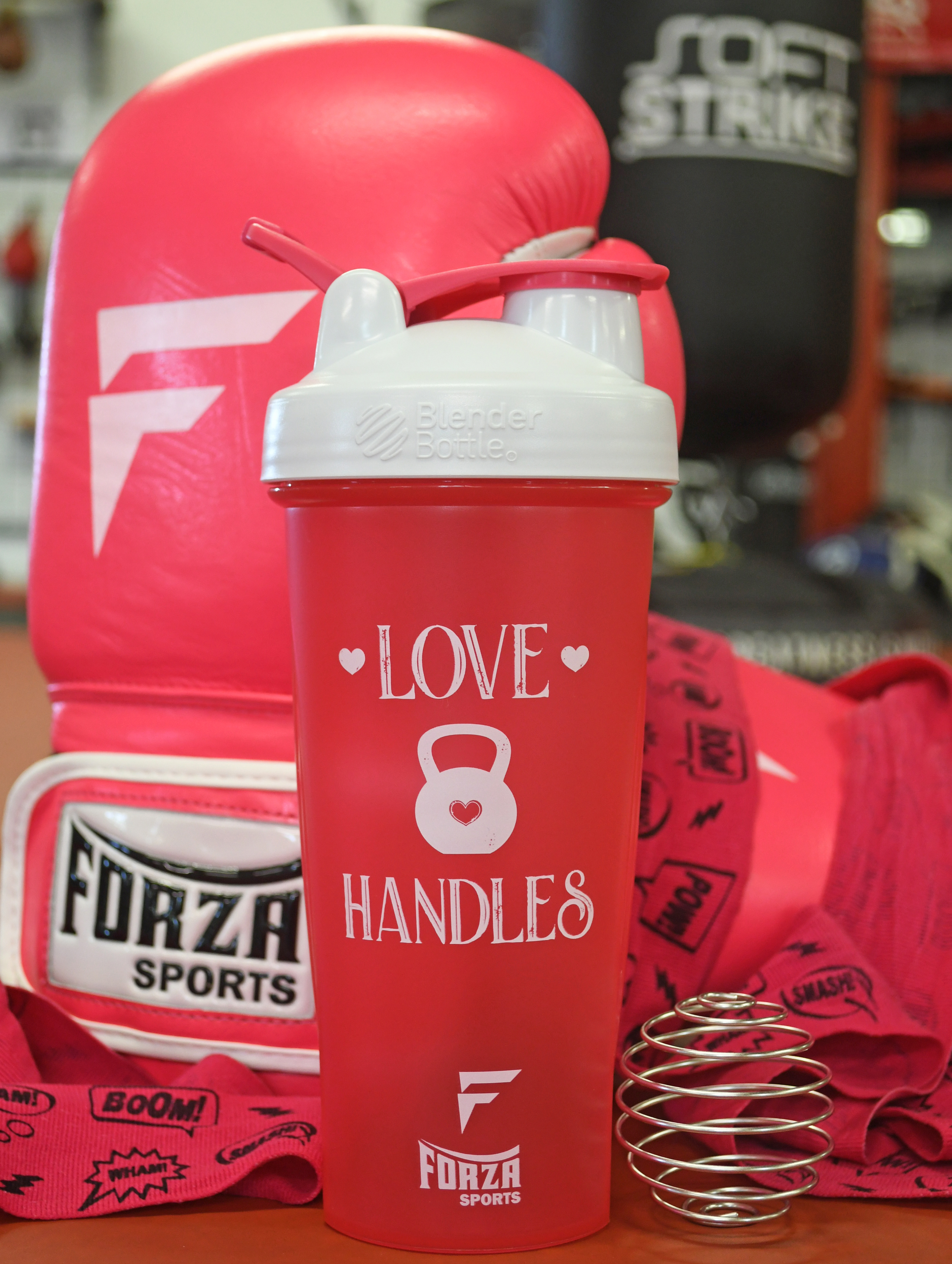 Blender-Bottle-x-Forza-Sports-Classic-28-oz-Shaker-Mixer-Cup-with-Loop-Top thumbnail 38