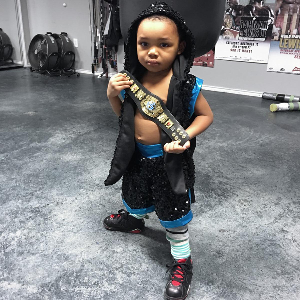 Title Boxing Undisputed Champion Leather Novelty Mini Title Belt - Black 619159360486 | eBay