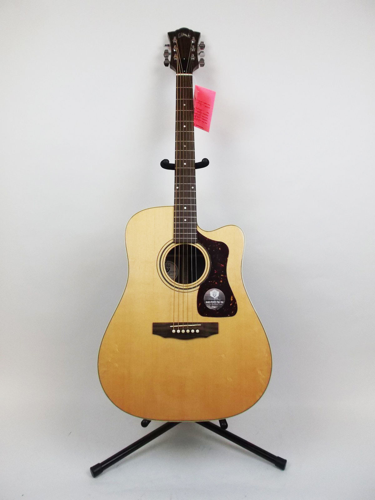 guild d 50ce acoustic electric guitar with case. Black Bedroom Furniture Sets. Home Design Ideas
