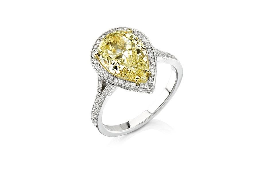 3.02 Ct Fancy Yellow Vs Gia Certified Pear Shape Diamond