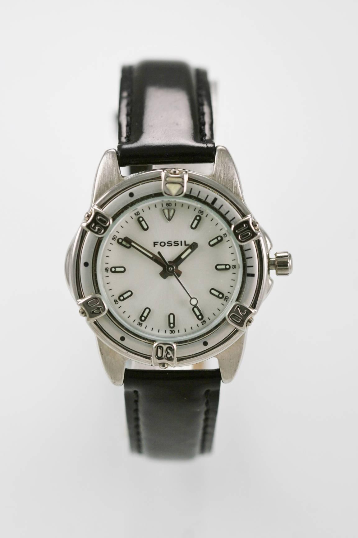2d48f8448687 Fossil reloj mujer blanco plata acero inoxidable resistente al agua negro  cuero cuarzo