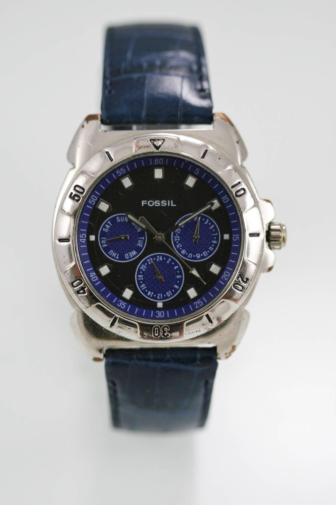 8703e04c2ee4 Detalles acerca de Fossil Reloj De Hombre Día Fecha 24hr Acero Inoxidable  Gris Plata 30m Azul Cuero Cuarzo- mostrar título original