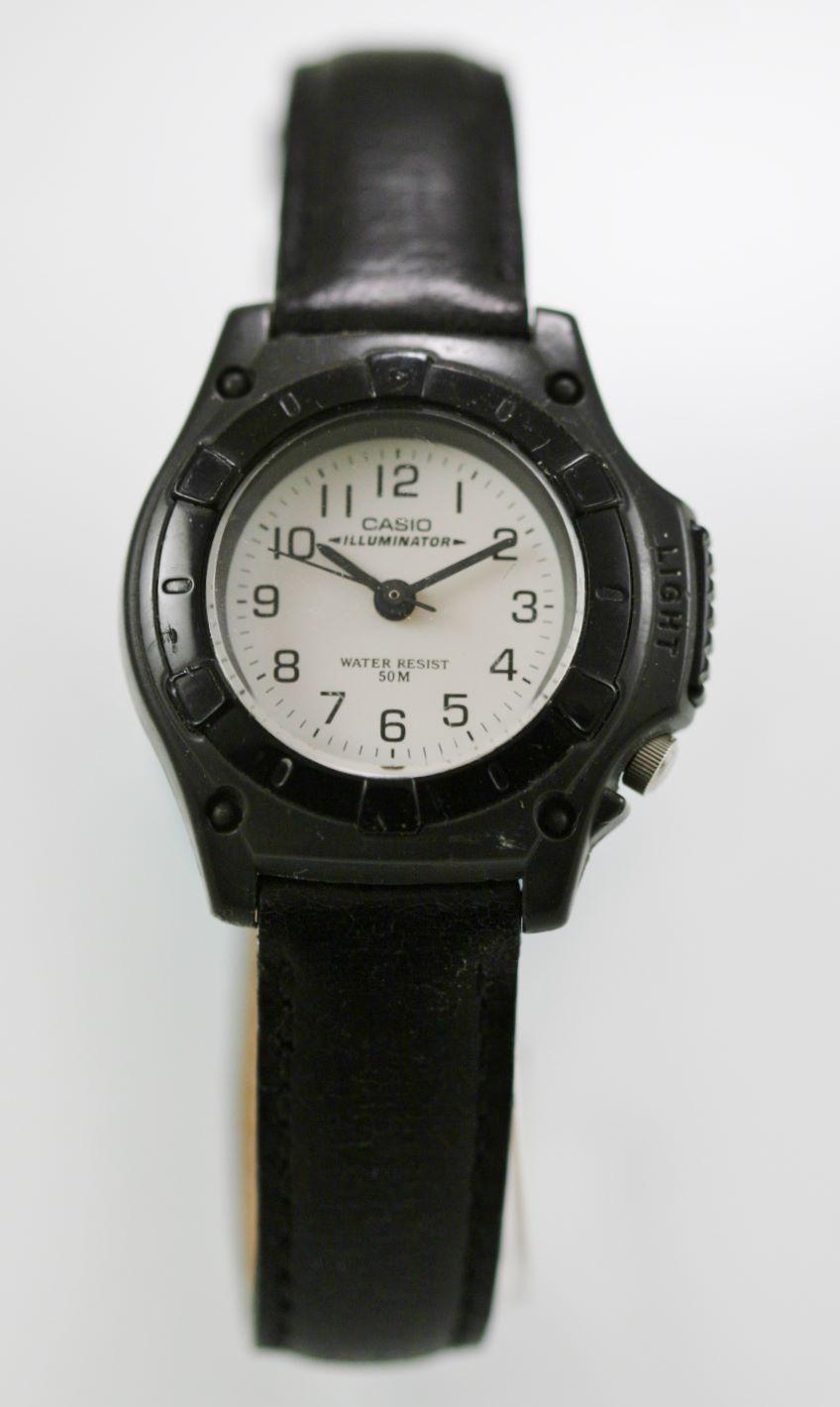 9b0deaecd2e6 Casio Illuminator Reloj Mujer Plástico Gris Cuero Negro 50M Luz ...