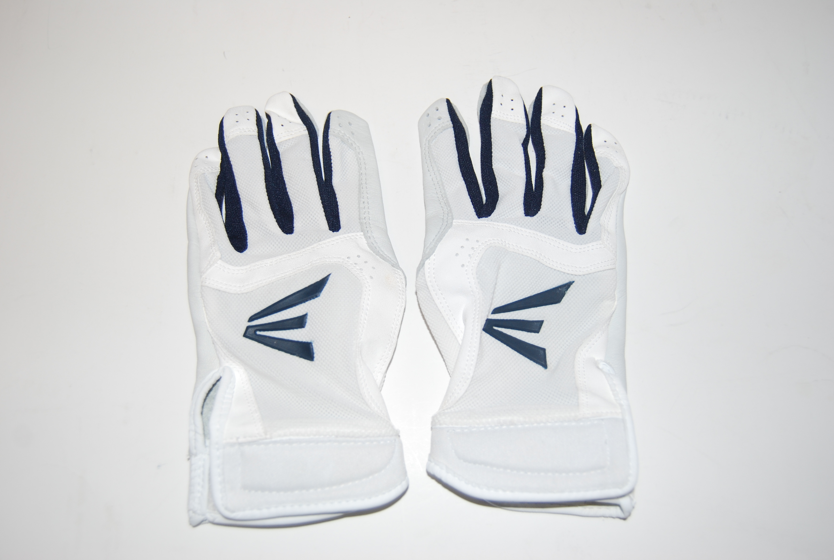 Optic Batting Gloves 1 Pair Stealth Core Easton Fastpitch Women/'s Small White