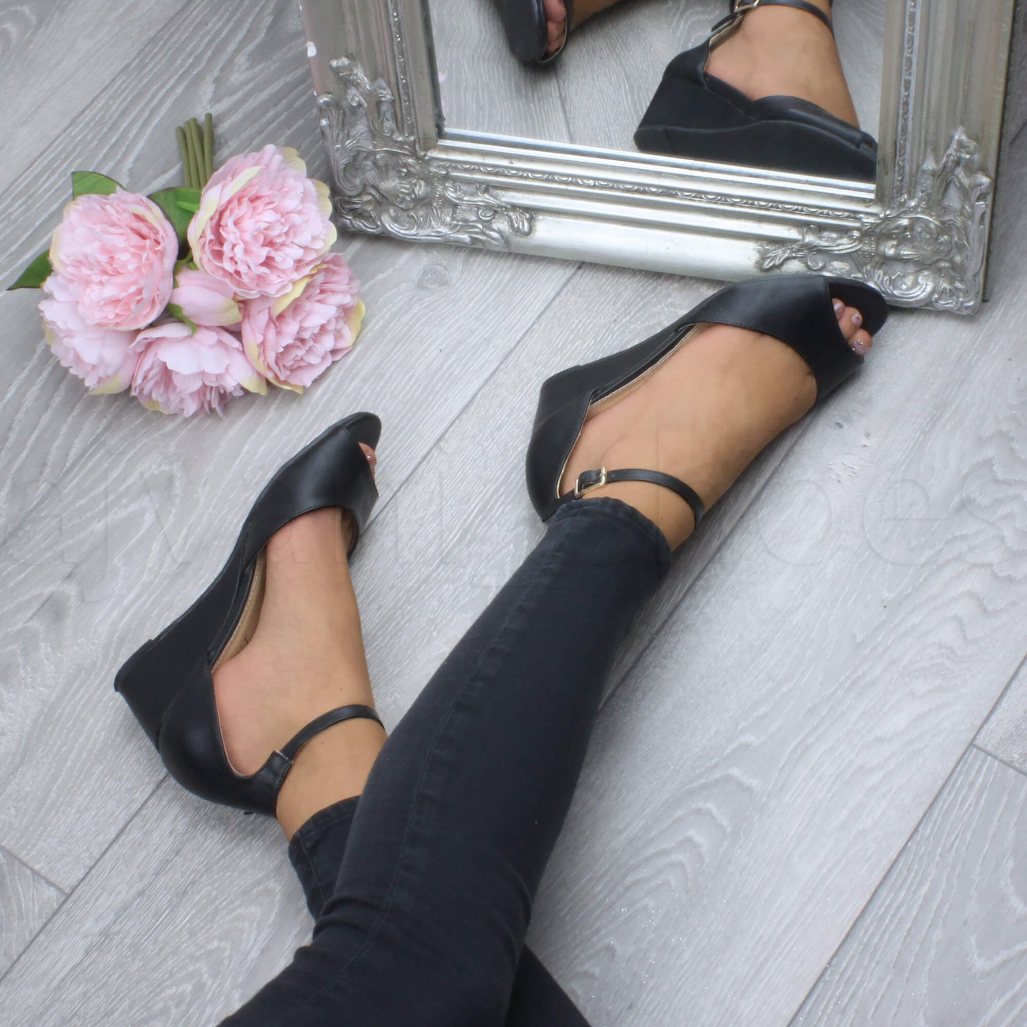 WOMENS-LADIES-LOW-MID-WEDGE-HEEL-ANKLE-STRAP-SMART-CASUAL-EVENING-SANDALS-SIZE thumbnail 6
