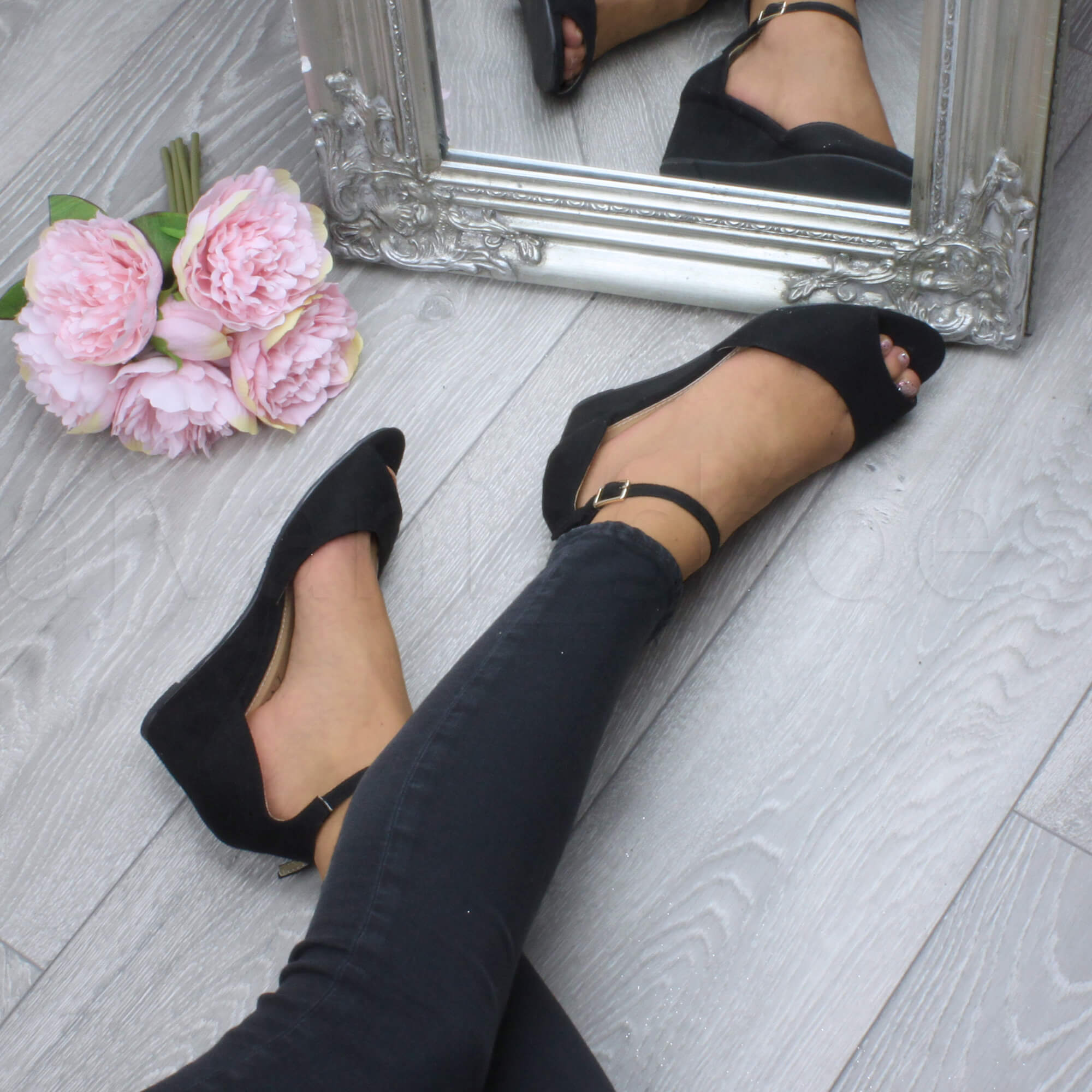 WOMENS-LADIES-LOW-MID-WEDGE-HEEL-ANKLE-STRAP-SMART-CASUAL-EVENING-SANDALS-SIZE thumbnail 22