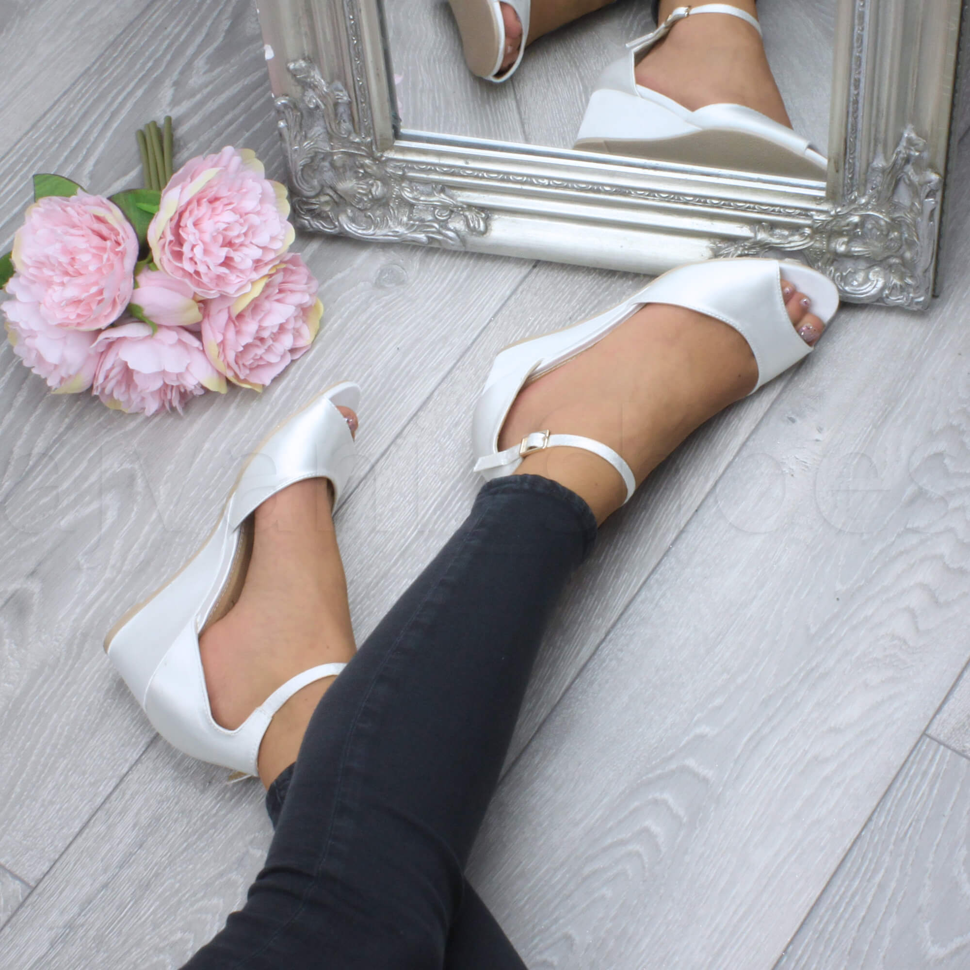 WOMENS-LADIES-LOW-MID-WEDGE-HEEL-ANKLE-STRAP-SMART-CASUAL-EVENING-SANDALS-SIZE thumbnail 70